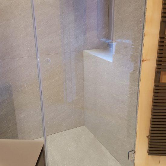 finiture del bagno in marmo Valmalenco