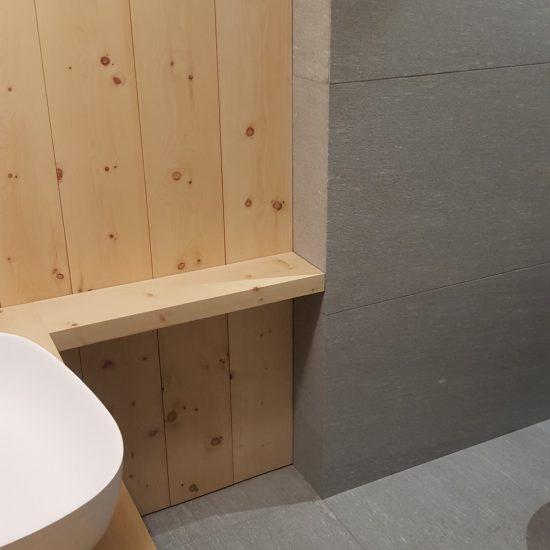 finiture in legno, ceramica e marmo