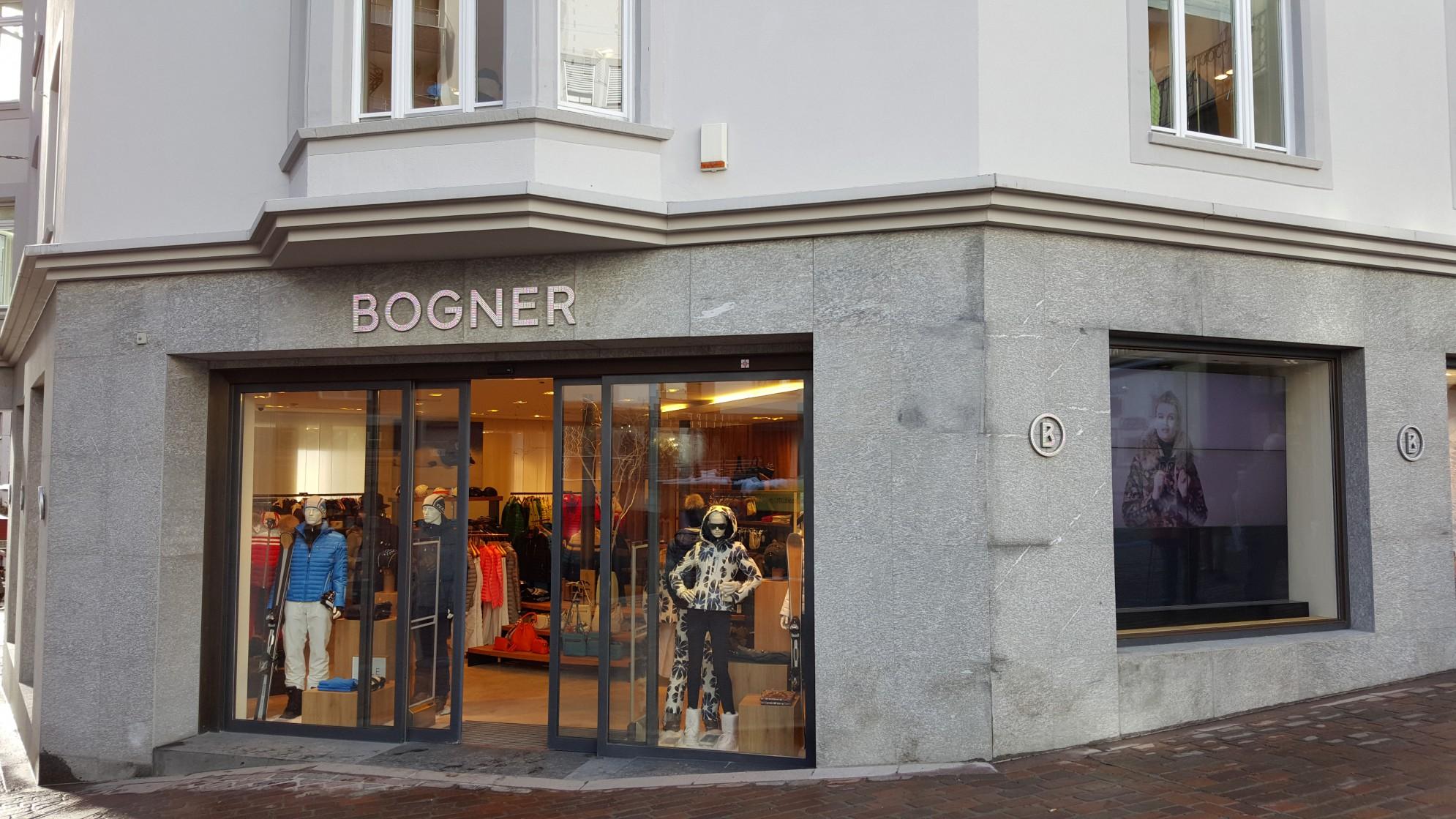 Vetrine Negozio Bogner con marmi e graniti - Saint Moritz