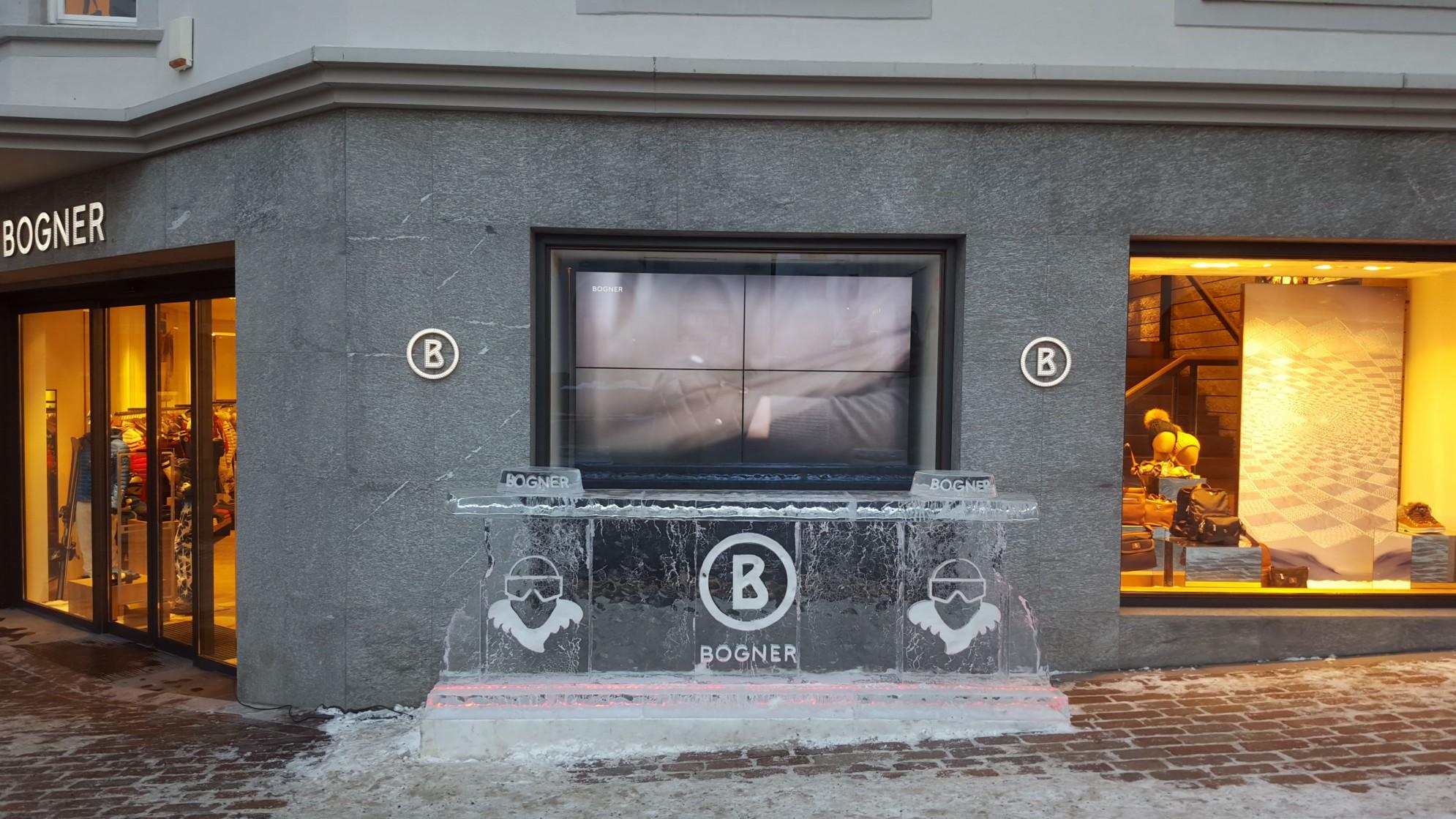 Dettaglio in marmo del Negozio Bogner - Saint Moritz