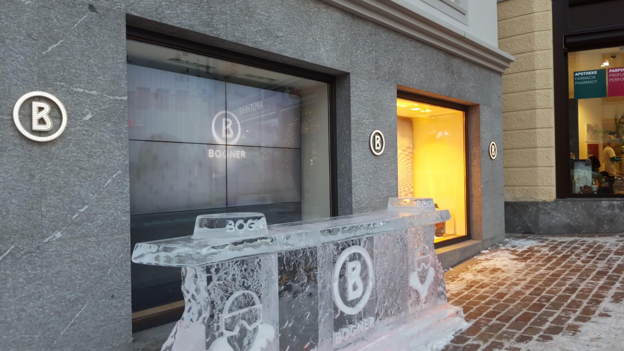 vista laterale del Negozio Bogner realizzato su edificio in marmo- Saint Moritz