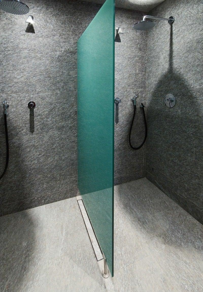 Hotel Alpenhof in Austria - zona doccia in marmo della Valmalenco