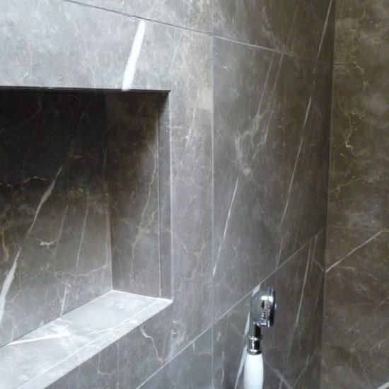Grand hotel tremezzo: Nicchia in marmo nella doccia