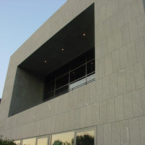 Palazzo realizzato in marmo della Valmalenco
