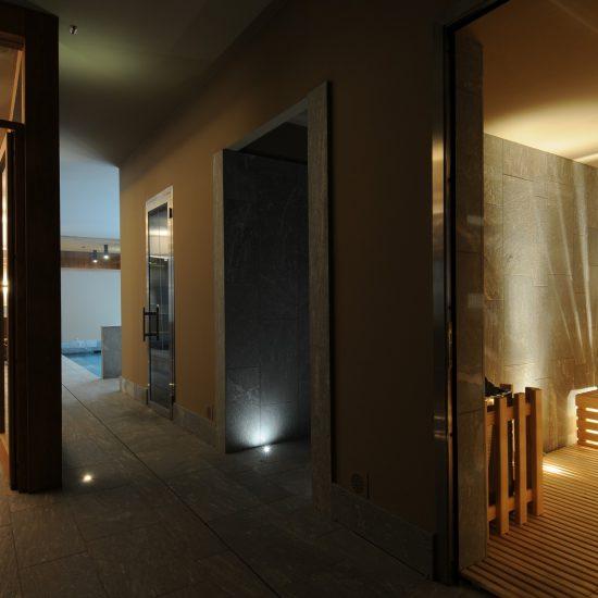 Area wellness in marmo presso Grand Hotel della Posta
