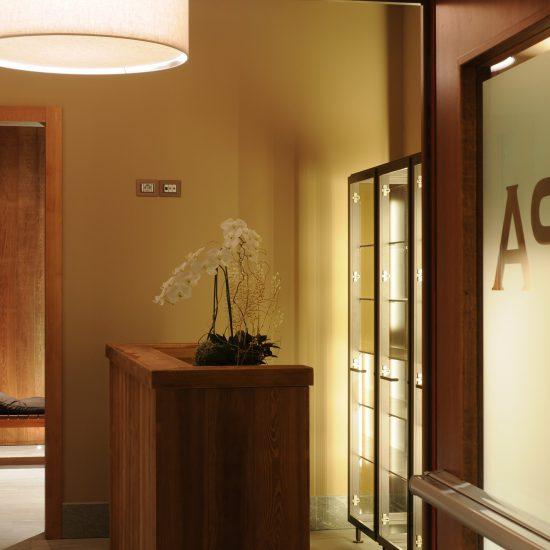 Area wellness e rivestimenti in marmo della Valmalenco