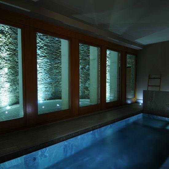 Rivestimenti in marmo per la piscina interna del Grand Hotel della Posta a Sondrio