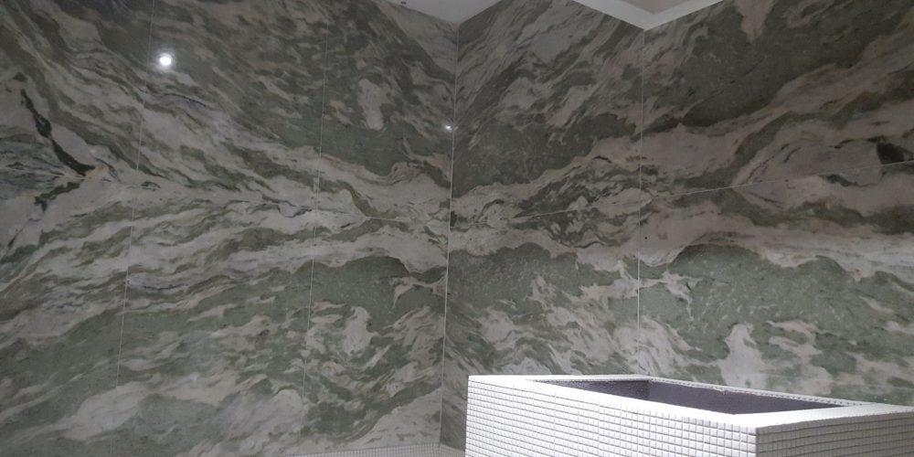 Area Benessere: rifiniture in marmo pregiato