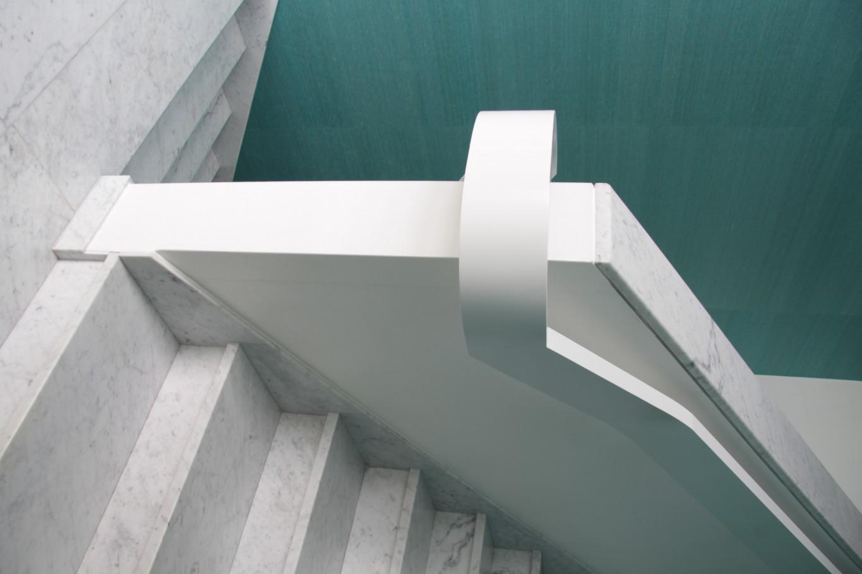 Scale in marmo della Valmalenco - color bianco