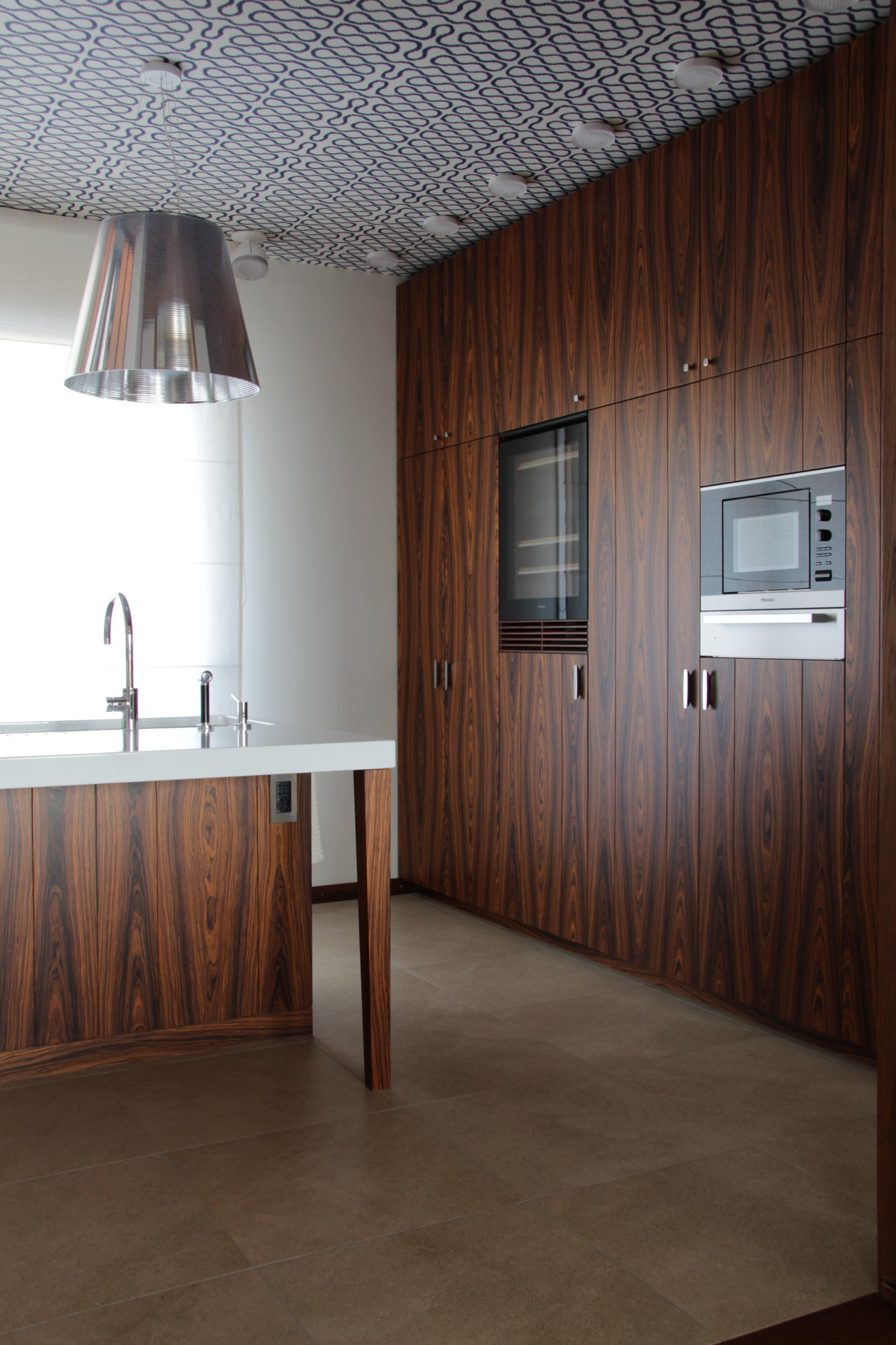 Realizzazioni con marmo della Marmi Valmalenco: la cucina
