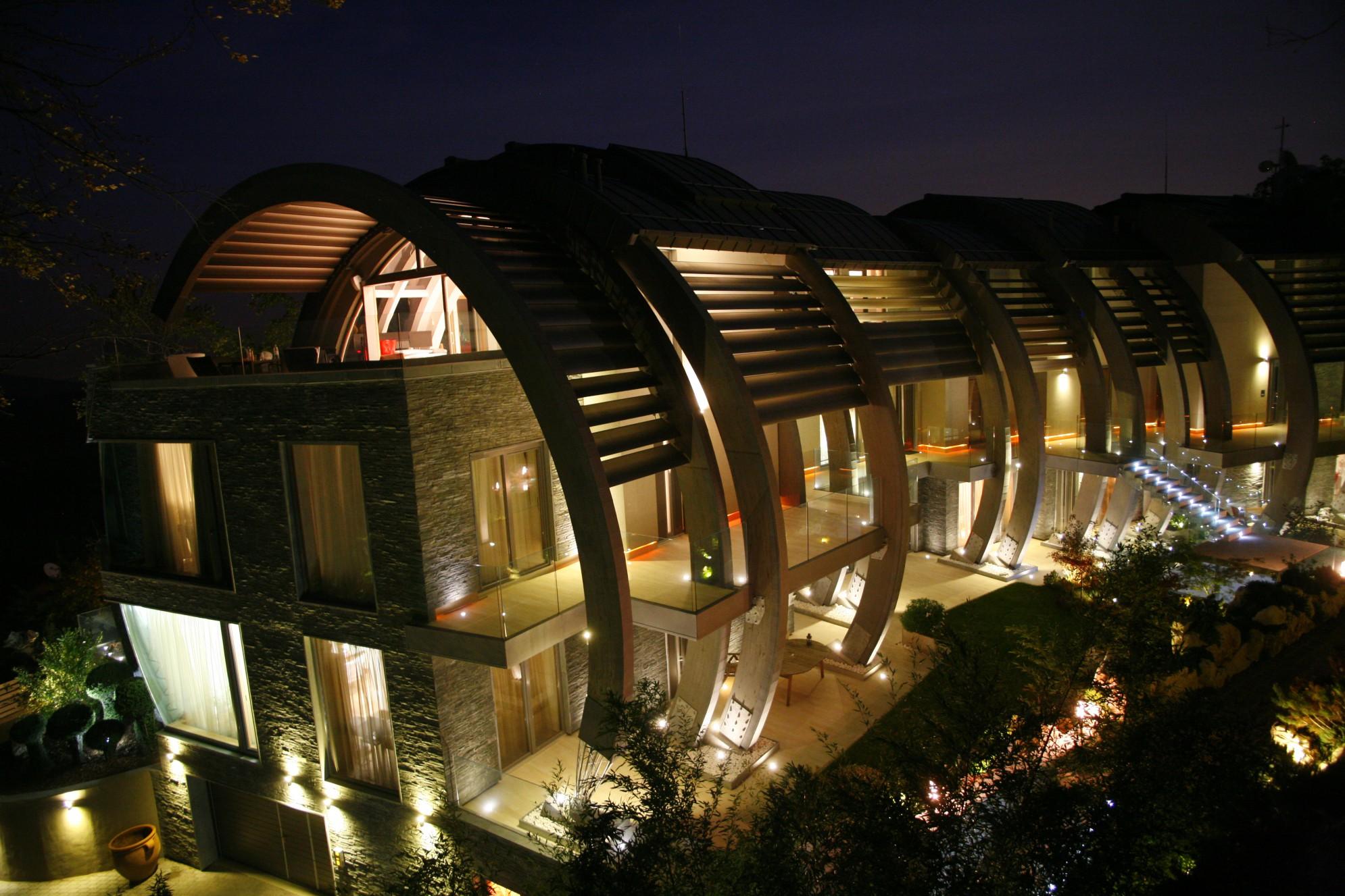 Edificio in serpentino (Ungheria) della Valmalenco