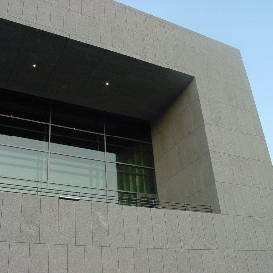 Università austriaca realizzata in marmo e serpentino (Marmi Valmalenco)