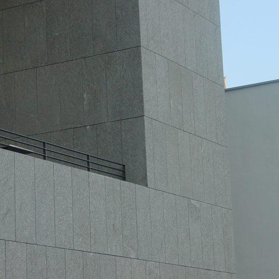 Universitat Mozarteum - edificio in marmo della Valmalenco