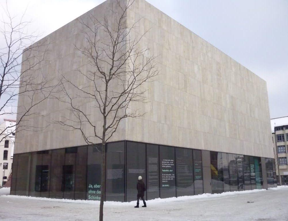 Edificio in marmo della Valmalenco - Universitat Mozarteum