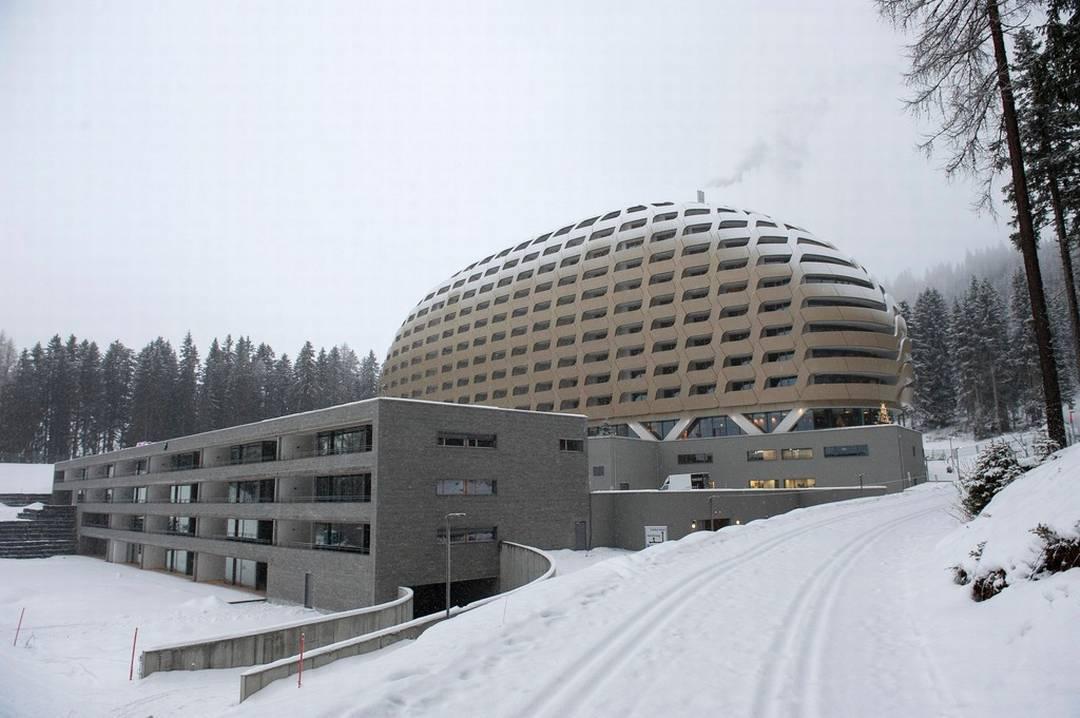 Vista laterale dell'Hotel Intercontinental a Davos - realizzazione Marmi Valmalenco