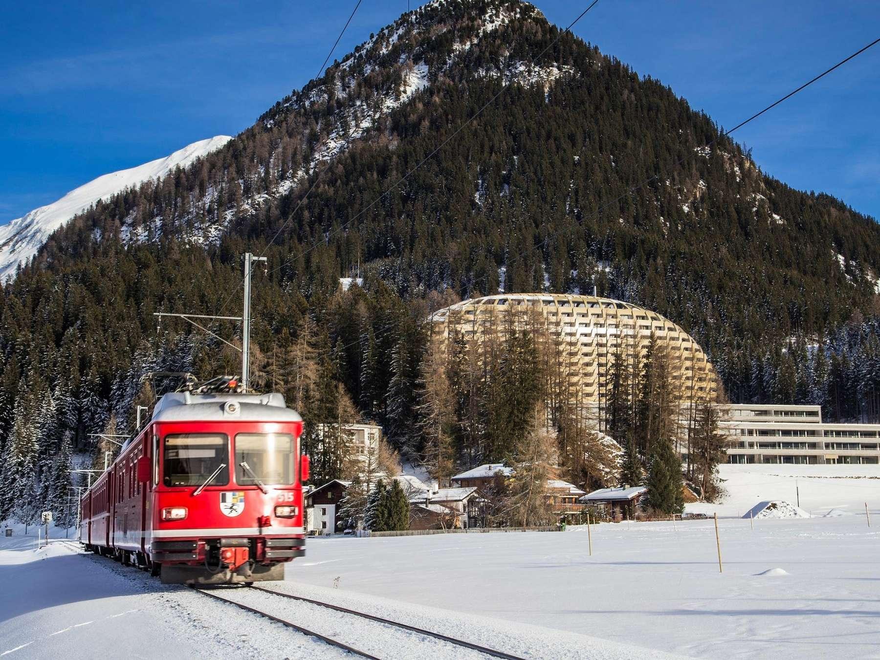 Trenino Rosso e Hotel Intercontinental a Davos - portfolio Marmi Valmalenco