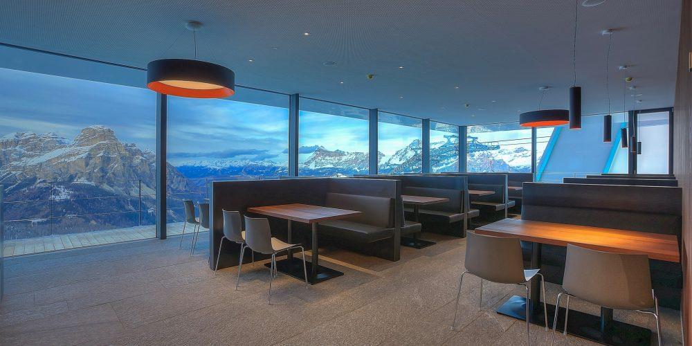 Rivestimetni in marmo per il Piz Boe Alpine Lounge